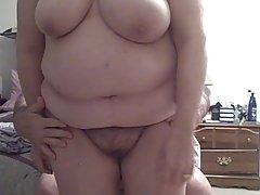 Cítil její sexy měkké zadek, prsa